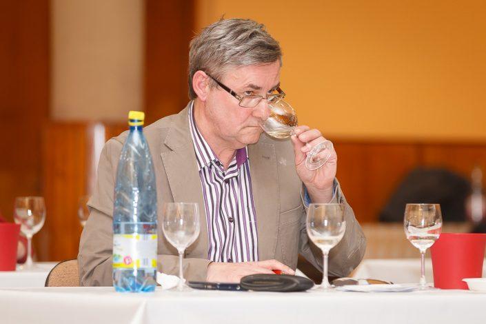 Člen odbornej komisie Peter Kobelár st. bol s priebehom degustácie spokojný